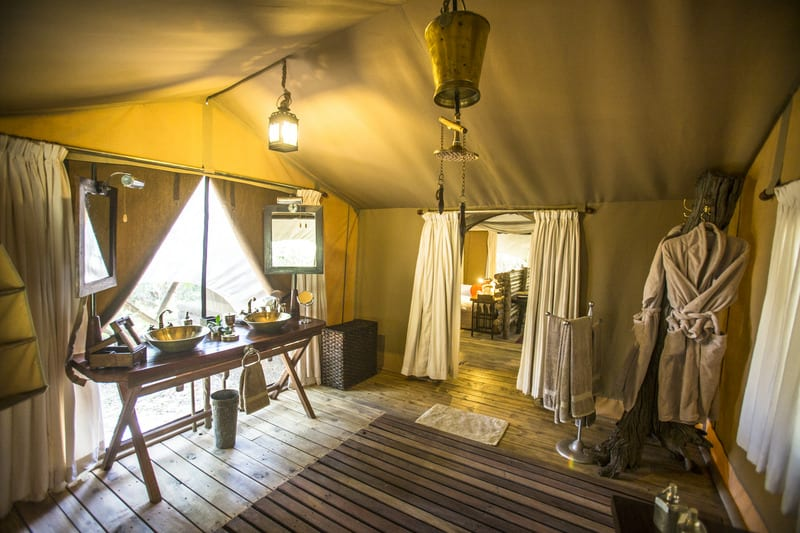 Mara Expedition Camp, Guest Tent Bathroom
